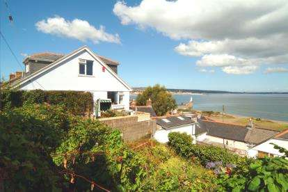 3 Bedrooms Semi Detached House for sale in The Bowjey Hill, Newlyn, Penzance
