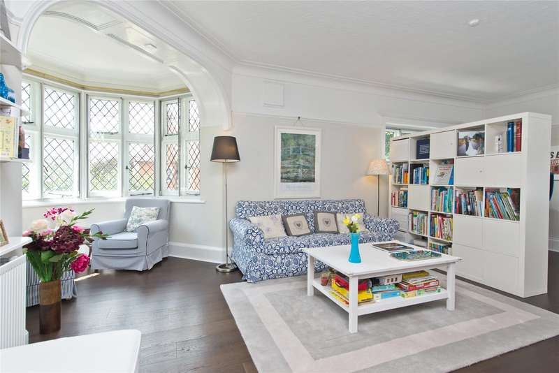 2 Bedrooms Flat for sale in St. Mary's Road, London, SW19