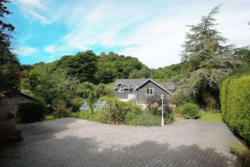 5 Bedrooms Detached House for sale in Saltash, Forder