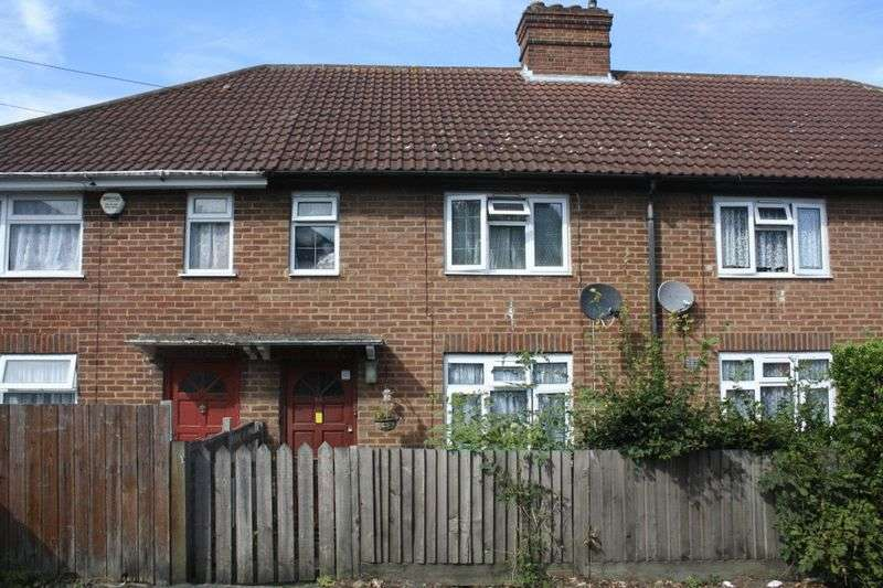 3 Bedrooms Terraced House for sale in Spearing Road, High Wycombe