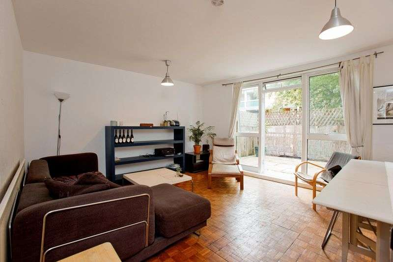 3 Bedrooms Flat for sale in Camden Street, Camden, NW1