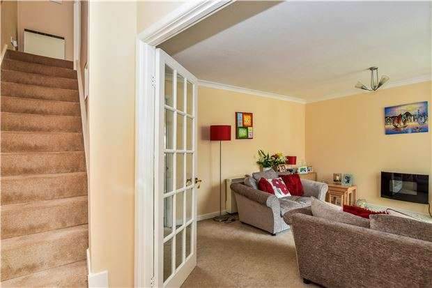 3 Bedrooms Terraced House for sale in Courtney Way, Kingswood, BS15 9RE