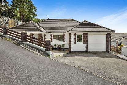 4 Bedrooms Bungalow for sale in Falmouth, Cornwall