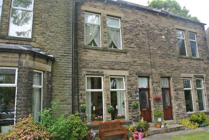 3 Bedrooms Property for sale in Huddersfield Road, Delph, SADDLEWORTH, OL3