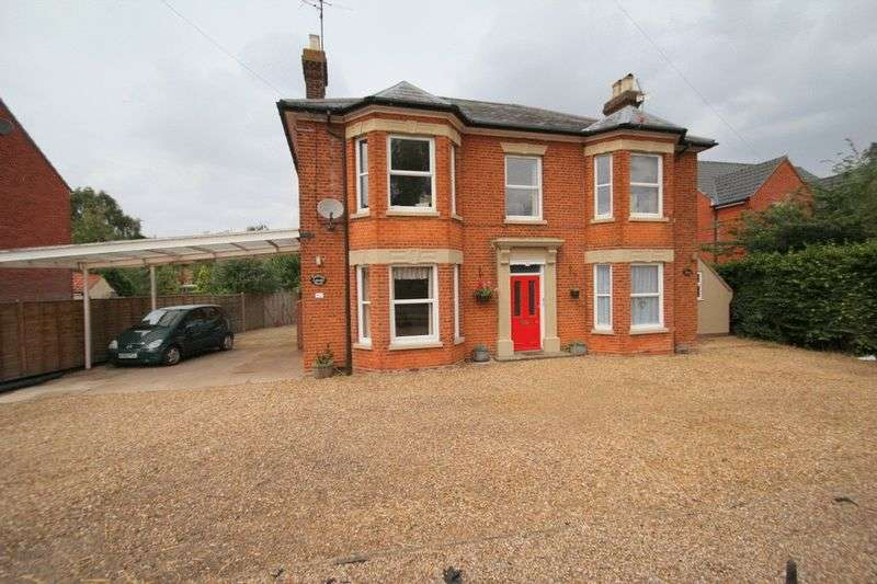 3 Bedrooms Flat for sale in Norwich Road, Norwich