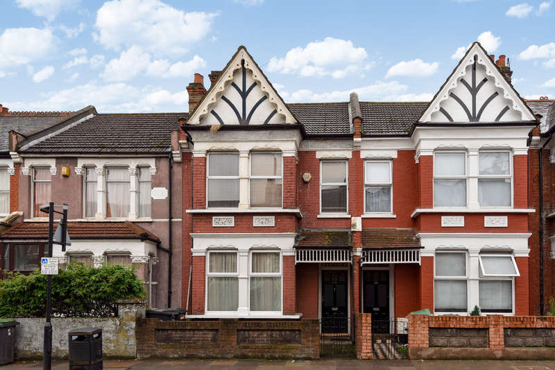2 Bedrooms Flat for sale in Westbury Avenue, Wood Green