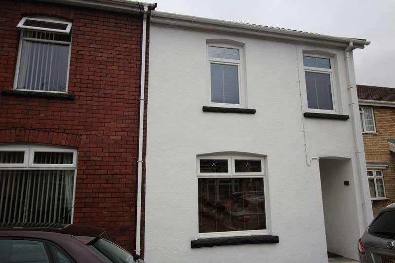 4 Bedrooms Terraced House for sale in Pengam Street, Blackwood