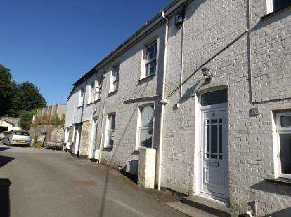 2 Bedrooms Flat for sale in Fraddon, St. Columb, Cornwall