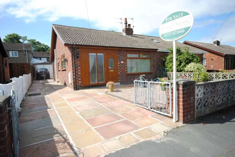 2 Bedrooms Bungalow for sale in Bleasdale Avenue, Kirkham