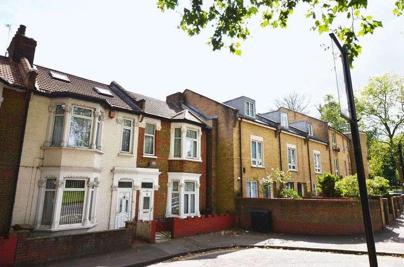 3 Bedrooms Terraced House for sale in Lea Bridge Road, Clapton E5