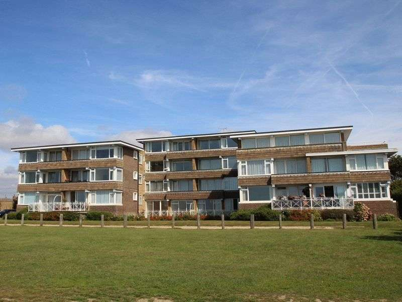 1 Bedroom Flat for sale in Dolphin Way, Rustington