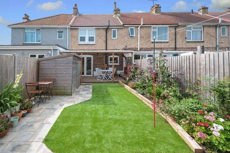 3 Bedrooms Terraced House for sale in Fifth Avenue, Lancing