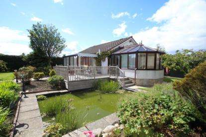 3 Bedrooms Bungalow for sale in Liberton Road, Kirkcaldy