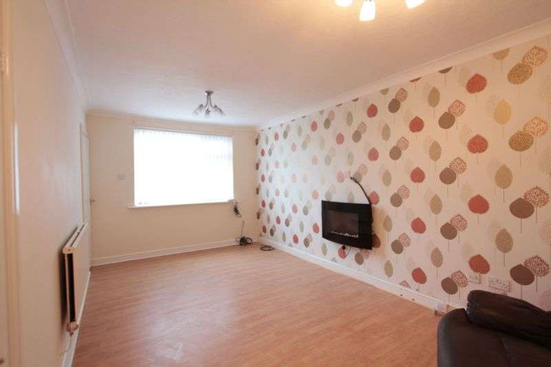 3 Bedrooms Terraced House for sale in Kingsley Avenue, Rhyl