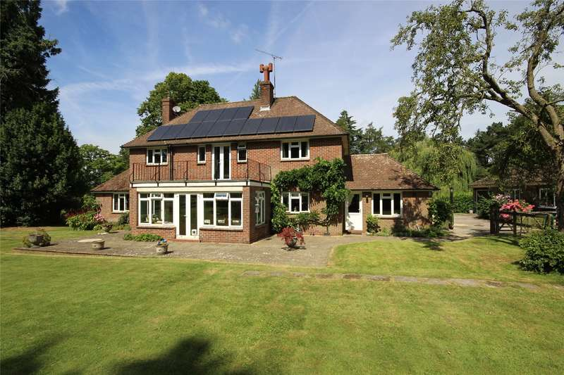 4 Bedrooms Detached House for sale in Lower Paice Lane, Medstead, Alton, Hampshire, GU34