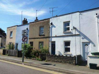 2 Bedrooms Terraced House for sale in Swindon Road, Cheltenham, Gloucestershire