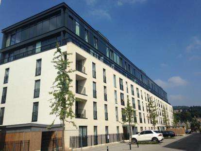 2 Bedrooms Flat for sale in Alexandra House, Victoria Bridge Road, Bath