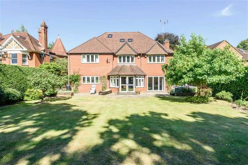 6 Bedrooms Property for sale in Little Austins Road, Farnham