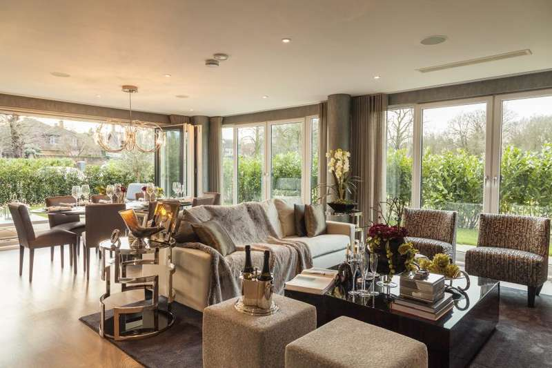 3 Bedrooms Apartment Flat for sale in Halcyon Close, Barnes, SW13