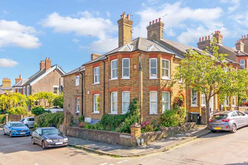 2 Bedrooms Apartment Flat for sale in Torrington Road, Berkhamsted
