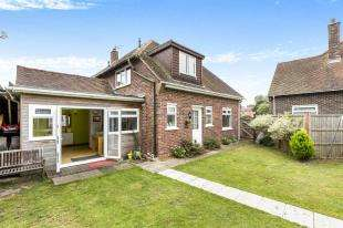 3 Bedrooms End Of Terrace House for sale in Palmer Place, North Mundham, Chichester, West Sussex