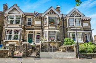 5 Bedrooms Terraced House for sale in The Mall, Faversham, Kent, .
