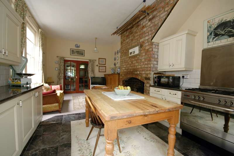 5 Bedrooms Terraced House for sale in The Oaks West, Sunderland, Tyne and Wear, SR2