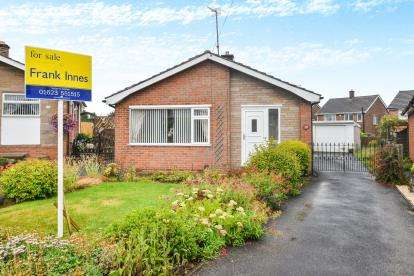2 Bedrooms Bungalow for sale in Roger Close, Sutton-in-Ashfield
