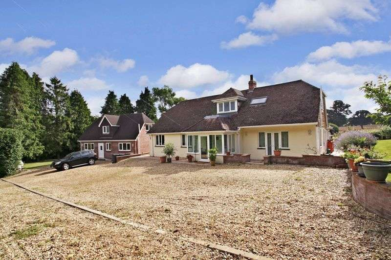6 Bedrooms Detached House for sale in Dunbridge Road, Romsey