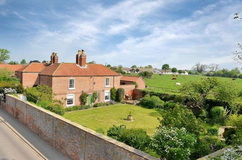 5 Bedrooms Detached House for sale in The Hall, 41 High Street, Upton, Gainsborough
