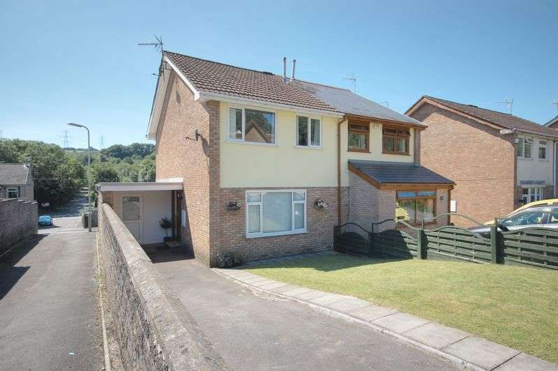 3 Bedrooms Semi Detached House for sale in 31 Tylcha Fach Estate, Tonyrefail, CF39 8BT