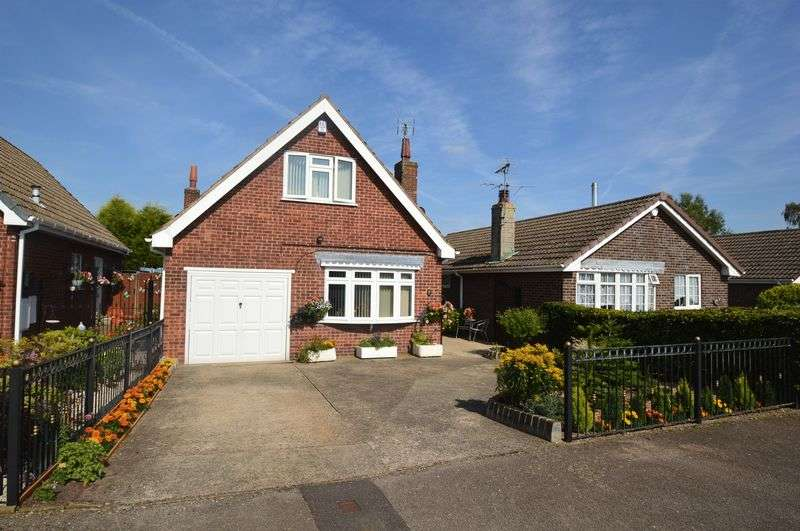 2 Bedrooms Detached House for sale in Pavilion Gardens, New Houghton
