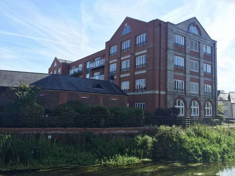 2 Bedrooms Flat for sale in The Old Tannery, Downton