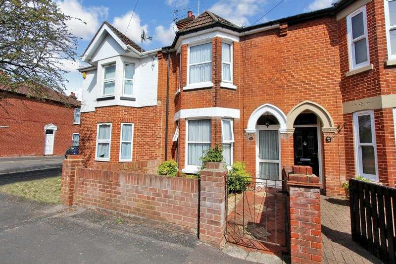 3 Bedrooms Terraced House for sale in Eastleigh