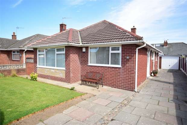 3 Bedrooms Detached Bungalow for sale in 20 Salcombe Road, LYTHAM ST ANNES, Lancashire