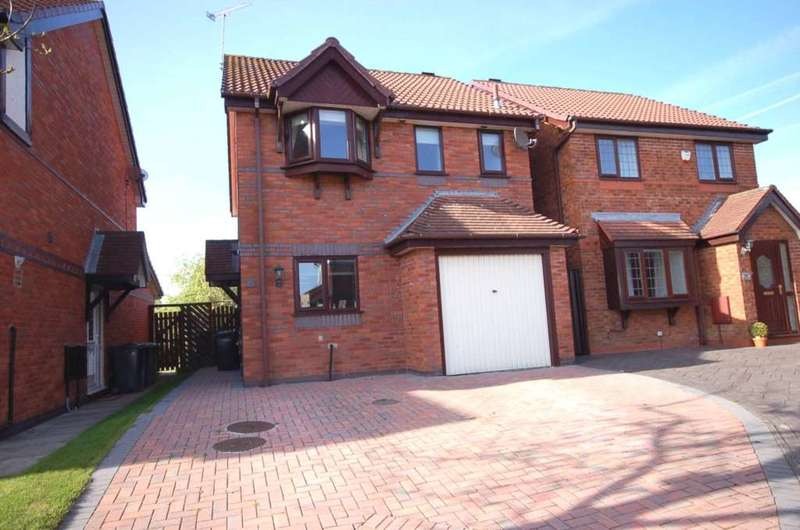 3 Bedrooms Detached House for sale in Sandown Close, Kirkham