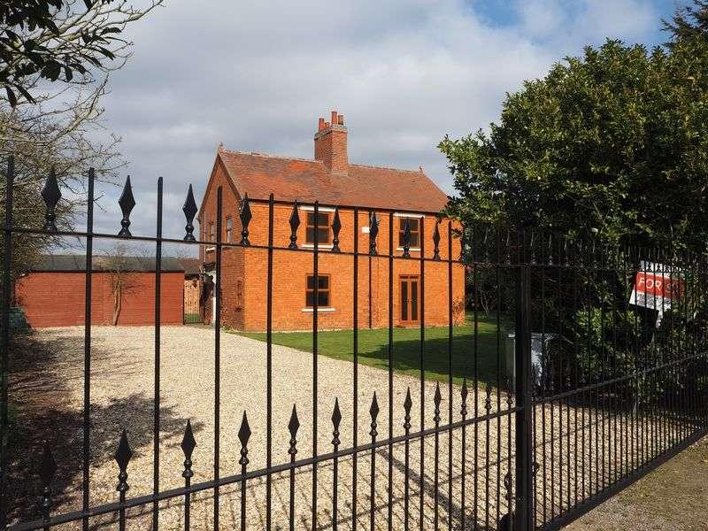 4 Bedrooms Detached House for sale in Langford Moor Farm Cottage, Coddington, Newark