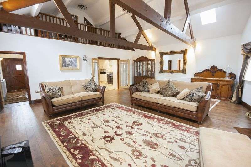 4 Bedrooms Detached House for sale in The Barn, Hurworth Moor, Darlington, DL2 1QL
