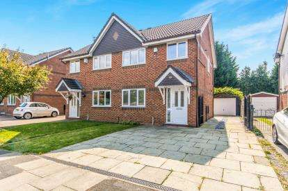 3 Bedrooms Semi Detached House for sale in Kenyon Avenue, Sale, Greater Manchester, Cheshire