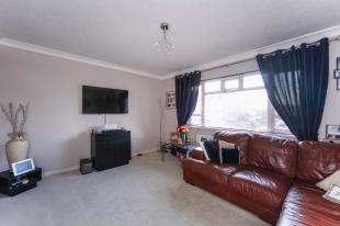 1 Bedroom Flat for sale in Croydon Road, Beckenham, .