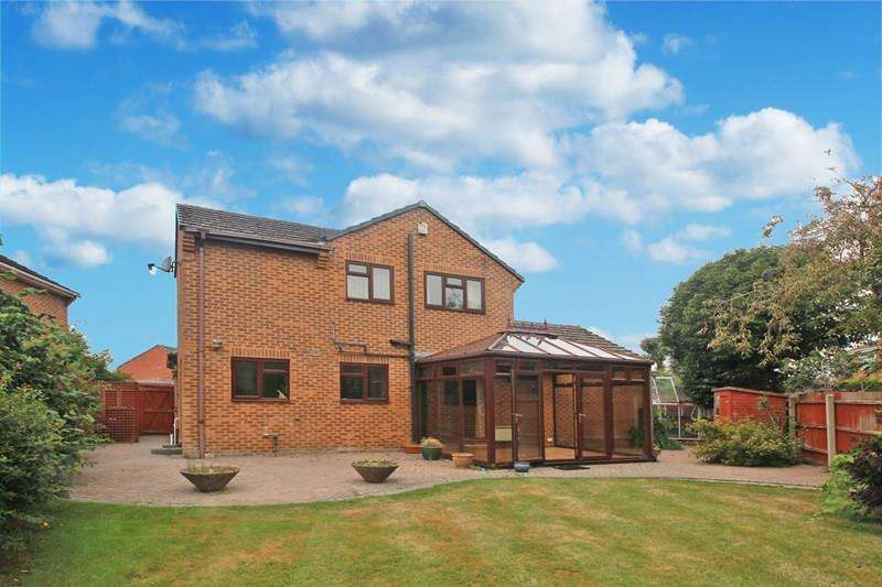 4 Bedrooms Detached House for sale in Wessex Close, Princess Park, Christchurch