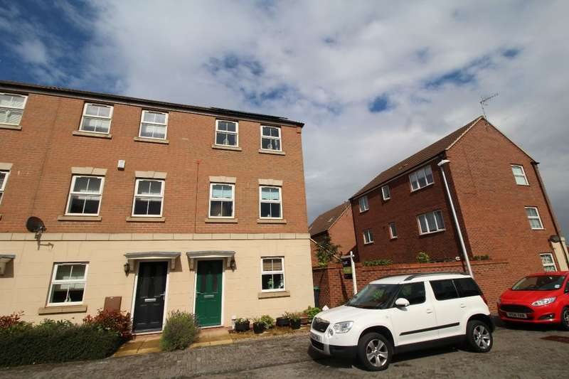 4 Bedrooms Property for sale in Centurion Close, Hucknall, Nottingham, NG15