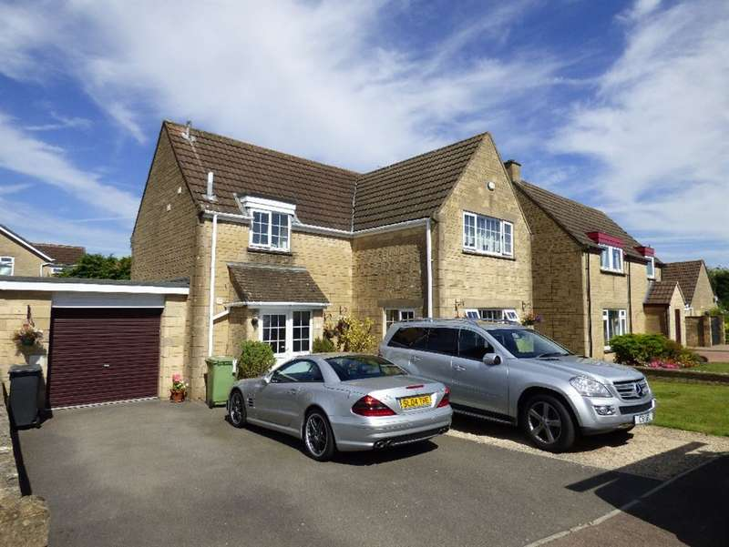 4 Bedrooms Detached House for sale in Cherry Tree Drive, Cirencester