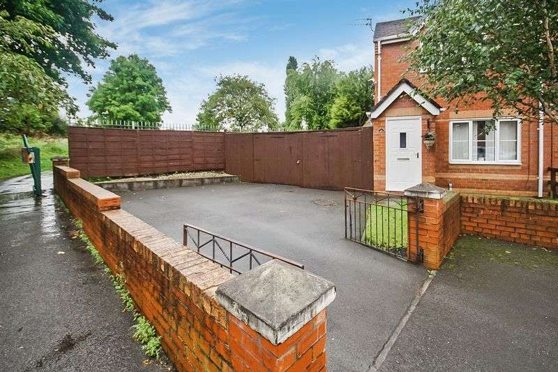 2 Bedrooms Semi Detached House for sale in Leavale Close Little Hulton M38 0FA