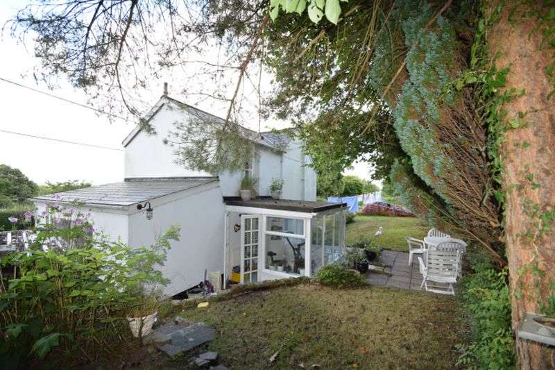 3 Bedrooms Cottage House for sale in Garth Road, Cwmbran