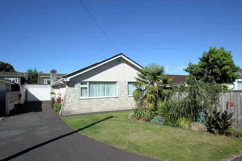 3 Bedrooms Detached Bungalow for sale in Victoria Gardens, Ferndown