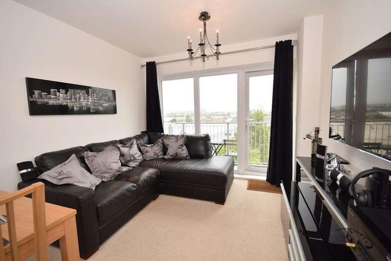 2 Bedrooms Flat for sale in Whitestone Way, Croydon, Surrey, CR0