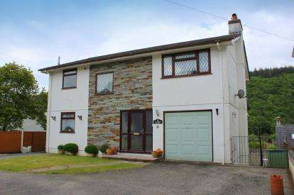 4 Bedrooms Detached House for sale in Kingswood Road, Gunnislake, Cornwall