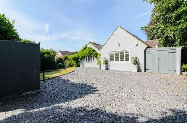 5 Bedrooms Detached Bungalow for sale in Doods Park Road, Reigate, Surrey