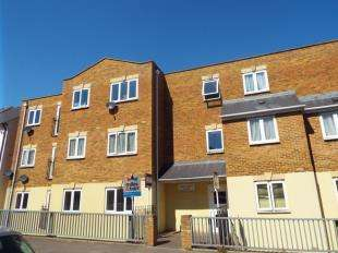 2 Bedrooms Flat for sale in Lime Grove, Cannonbury Road, Ramsgate, Kent